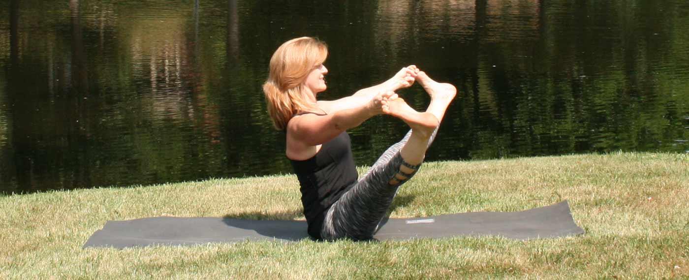 Yoga Pose Extended Boat Pose Urdhva Mukha Pashimattanasana ...